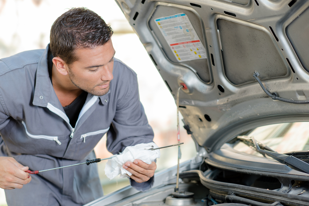 Oil Change Lube & Filter Service In Bothell To Keep Your Vehicle Running Smoothly